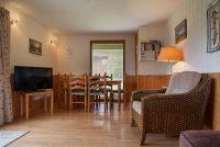 Laburnum Lounge with Dining Area